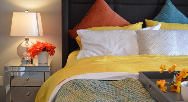 Bed Bedroom Lamp Bedside Pillows  - ErikaWittlieb / Pixabay