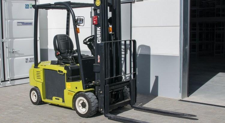 Machine Forklift Logistics  - emkanicepic / Pixabay