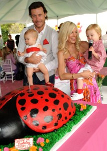 Tori-Spelling-birthday-party-214×3001