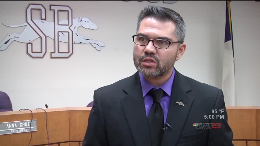 San Benito CISD Accepts Superintendent-s Resignation_19394491