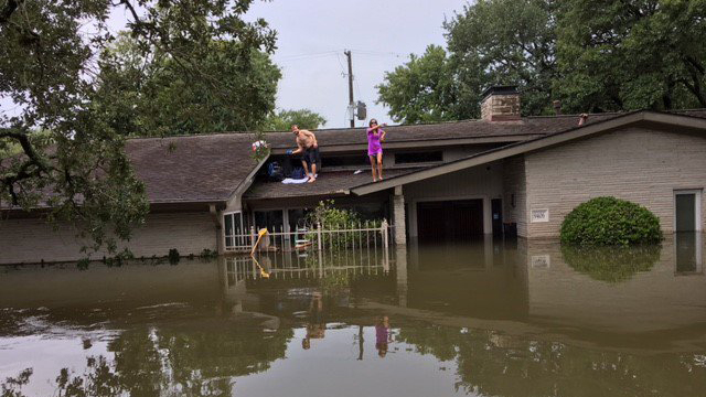 Hurricane Harvey rescues_1507925276947-159532-159532.jpg18682601