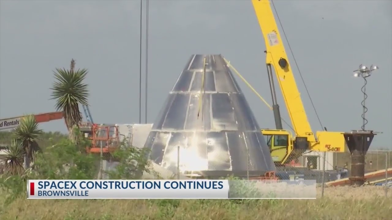 Construction_continues_at_SpaceX_facilit_0_20190422224031