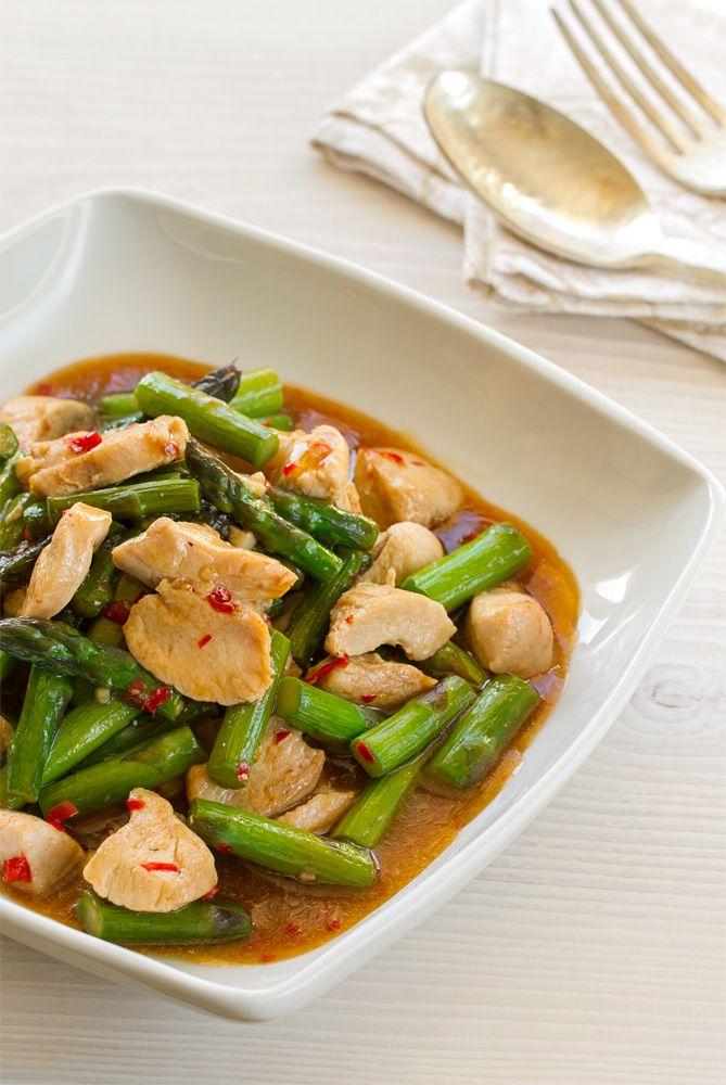 Salteado de espárragos con pollo, cocina tailandesa, cocina asiatica, pollo, espárragos, salteado, salteado recetas