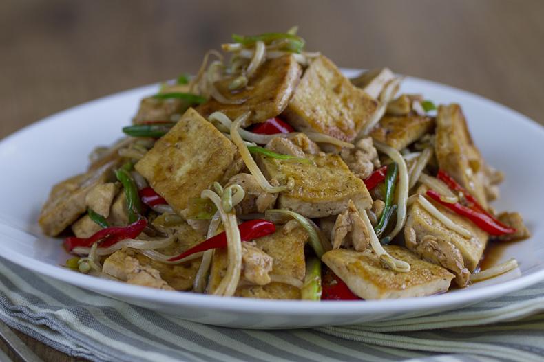Salteado de tofu con Brotes, tofu, brotes de soja