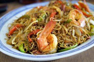 singapur noodles, singapore, fideos fritos estilo singapur, fideos de arroz fritos, fideos fritos, fideos salteados