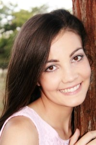 Roze, wat aangewys is as 'n finalis vir Miss Pre Teen International 2014.