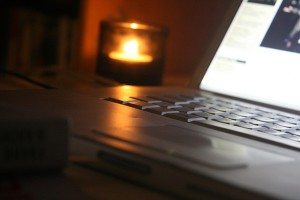 laptop-candle