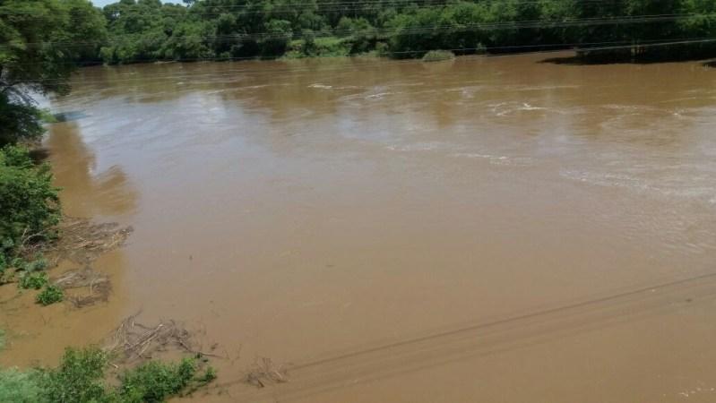 Vloed Dwaalboombrug stroom op