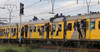 Pendelaars ontwrig deur taxi-staking in die Kaap