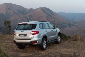 6 Nov Ford Everest-xls-2_1800x1800