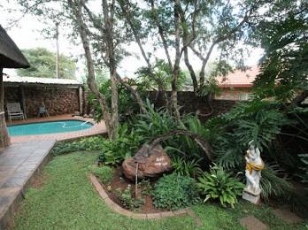 Galery pool en tuin