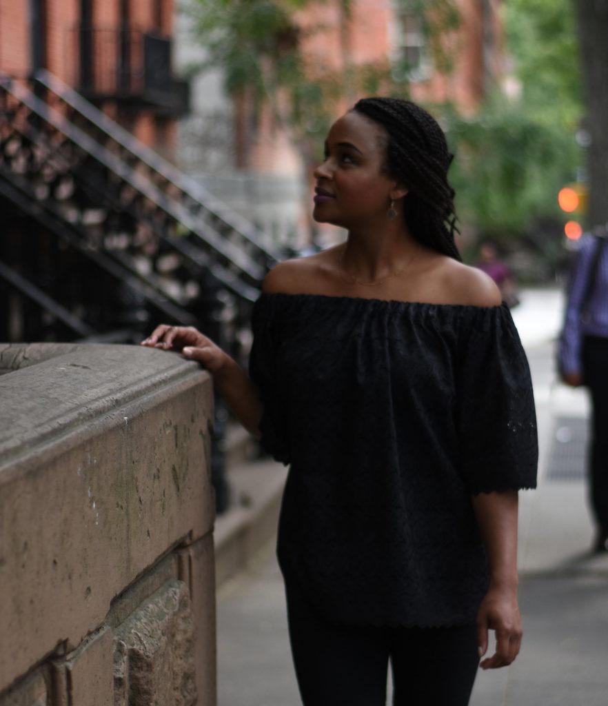 street-style-off-shoulder-shirt-kwhitecollection-khalila-white