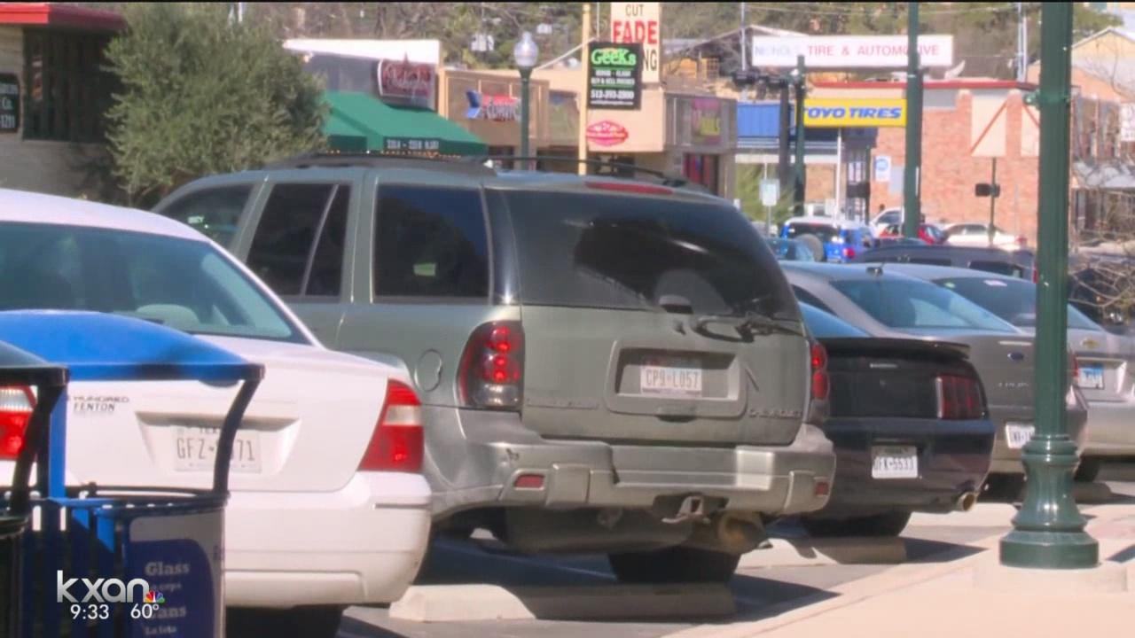 Reverse back-in parking San Marcos_242540