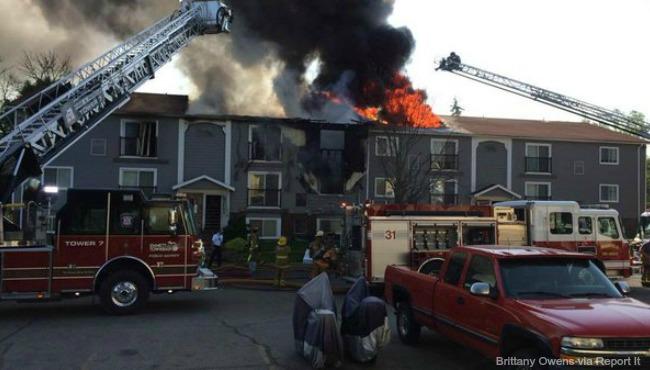 battle-creek-apartment-fire-052516-1_290388