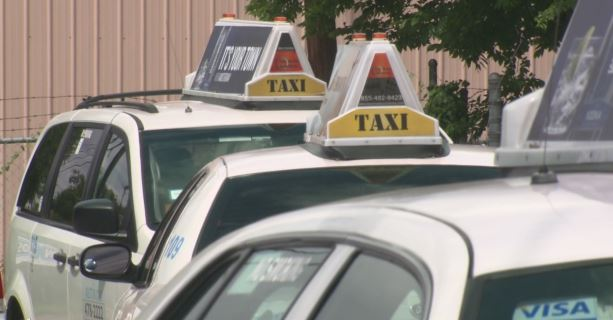 Taxicabs at Austin Cab Company_286067