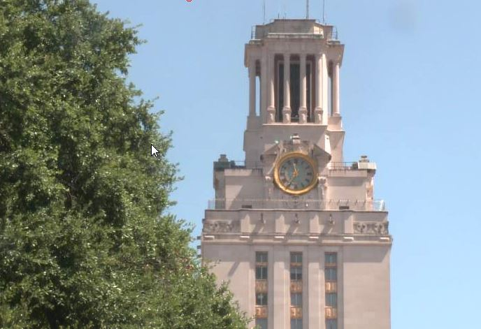 UT Tower on Aug. 1, 2016_319546