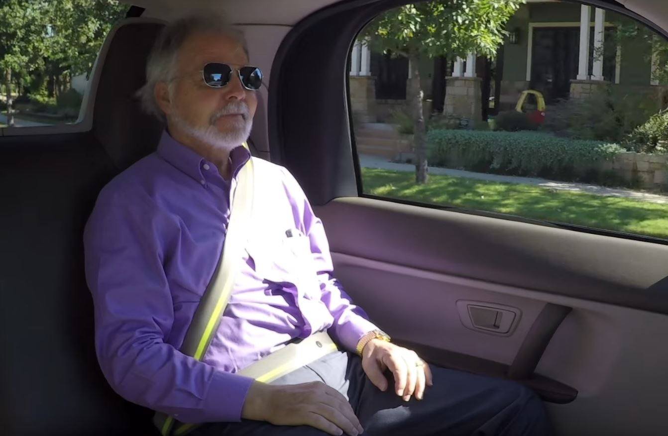 Steve Mahan riding in a driverless car in Austin_387096