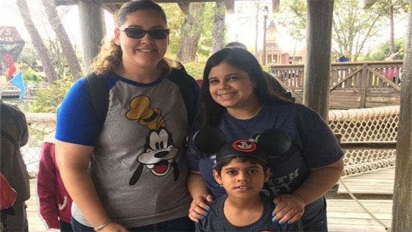 Natalie Encarnacion and her family (WFLA photo)_432805