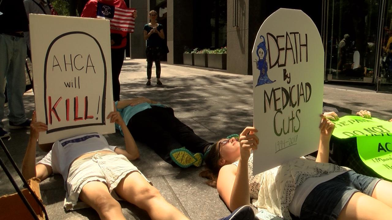 Protestor _Die-In__497760