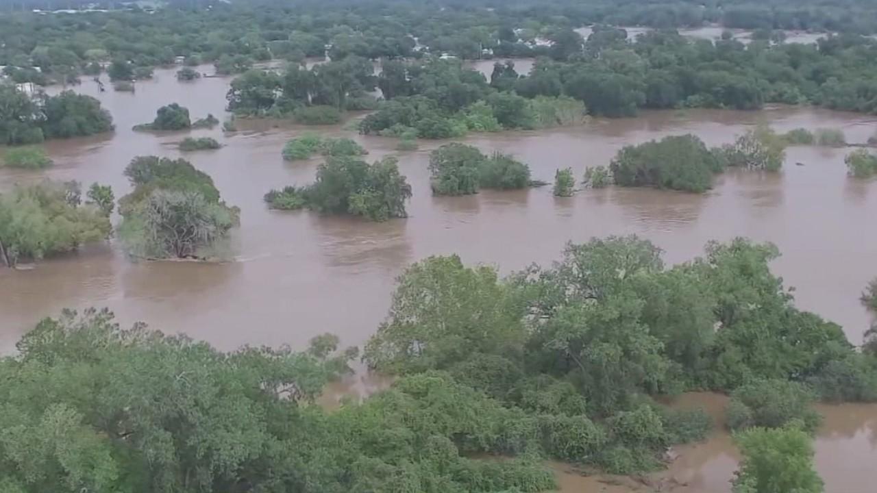 Colorado River flooding in La Grange_535264