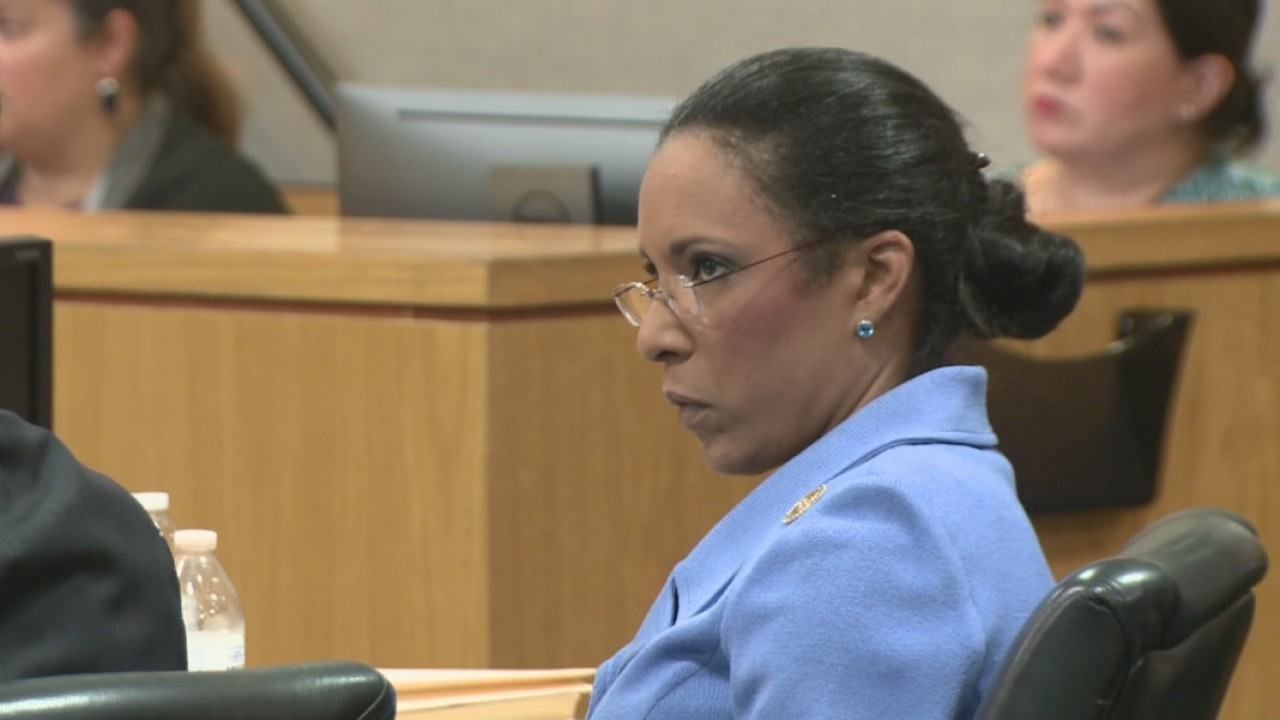 Dawnna Dukes in court on Sept. 26, 2017_551783