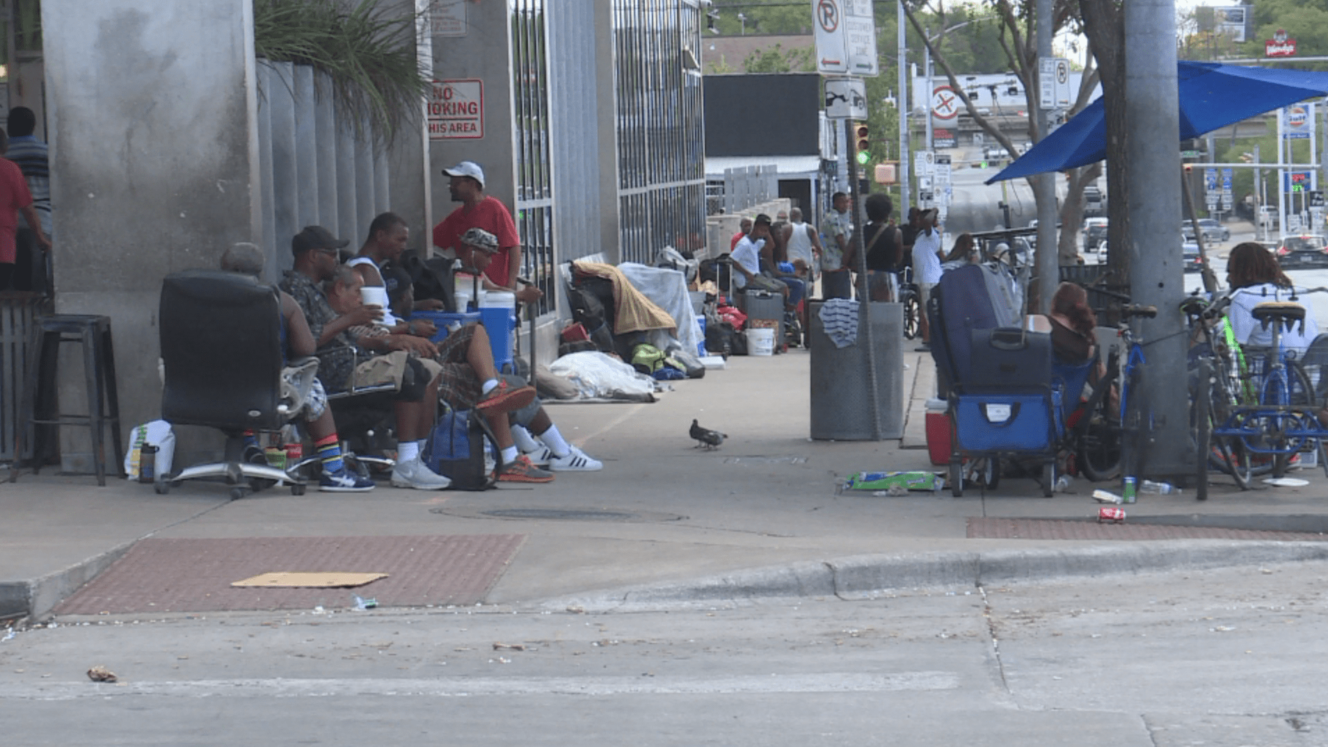 Crowds outside the Austin Resource Center for the Homeless_524415