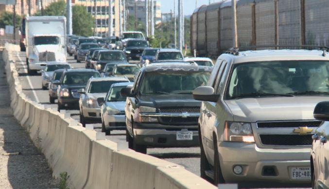 Heavy traffic on MoPac Expressway_524471