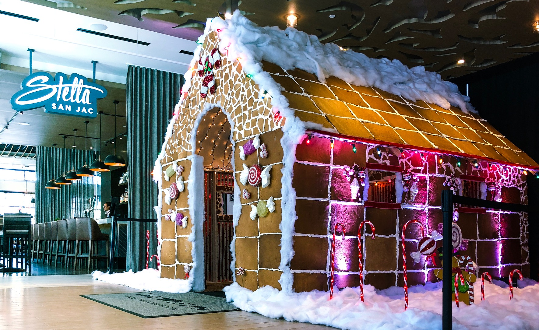 gingerbread house_596630