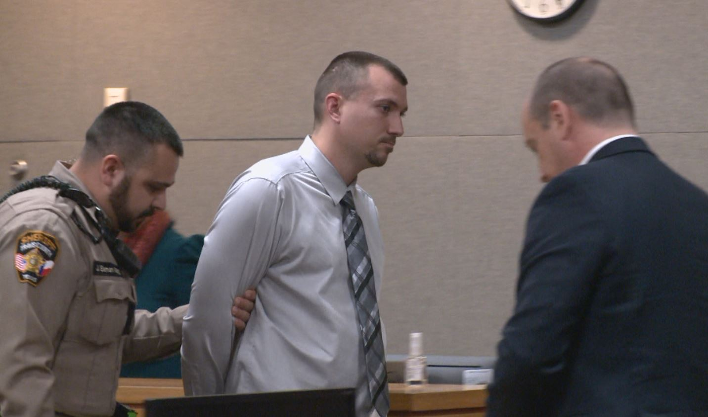 Shawn Amende taken into custody_595036