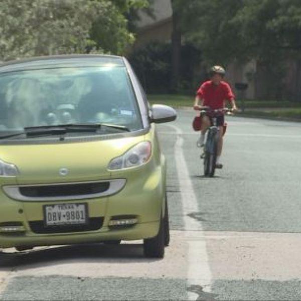 Shared Bike Lanes (KXAN Photo)_273743