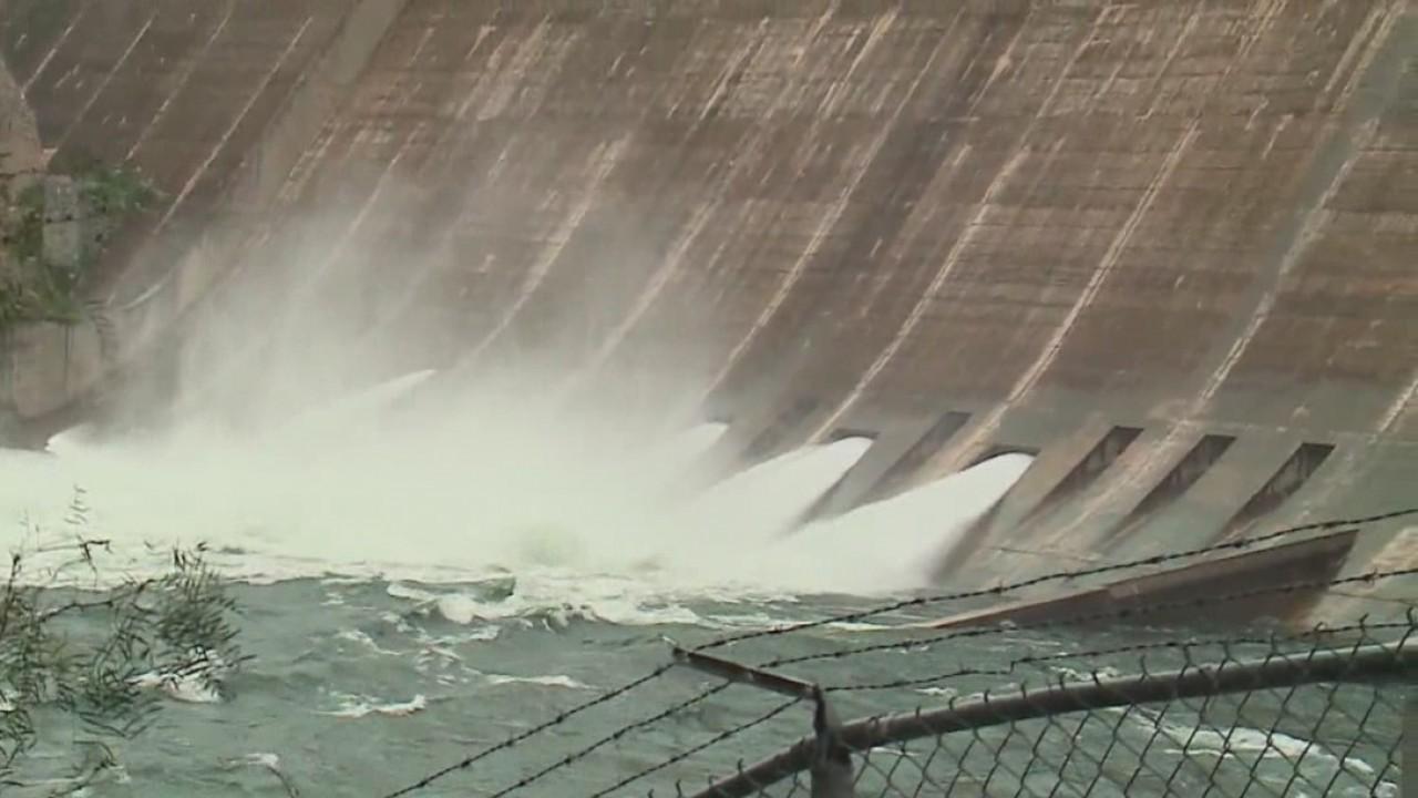 Lake Mansfield floodgates open on Oct. 17, 2018