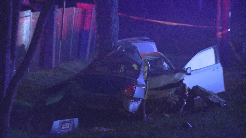 Man killed after hitting tree following I-35 frontage road wreck