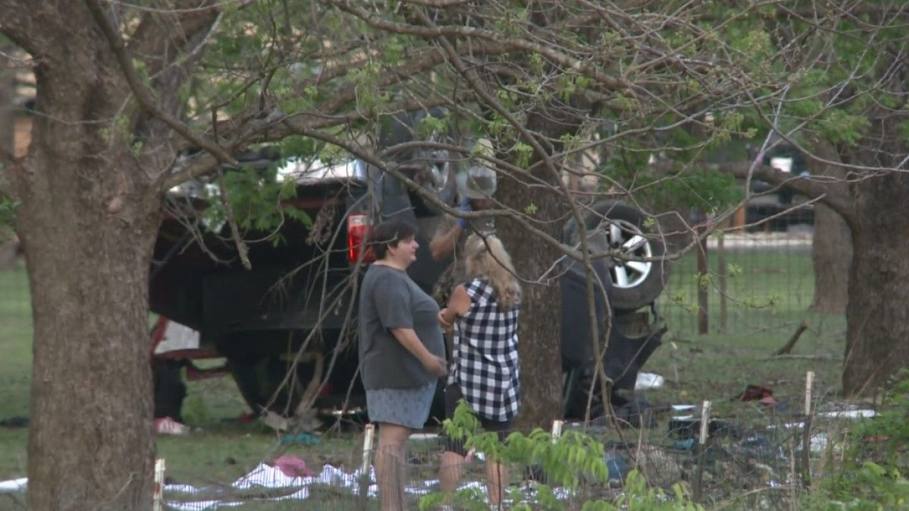 Three_hospitalized_after_rollover_on_Riv_1_20180407034117