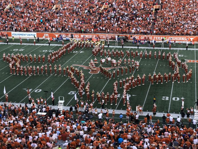 UT to require Longhorn Band to play the 'Eyes of Texas' but will create new band for those who oppose song