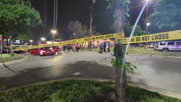 1 dead after shooting in busy north Austin shopping area