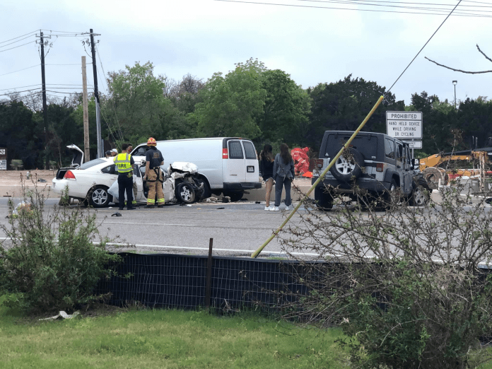 2 people with potentially serious injuries in hospital after multi-car crash in northwest Austin