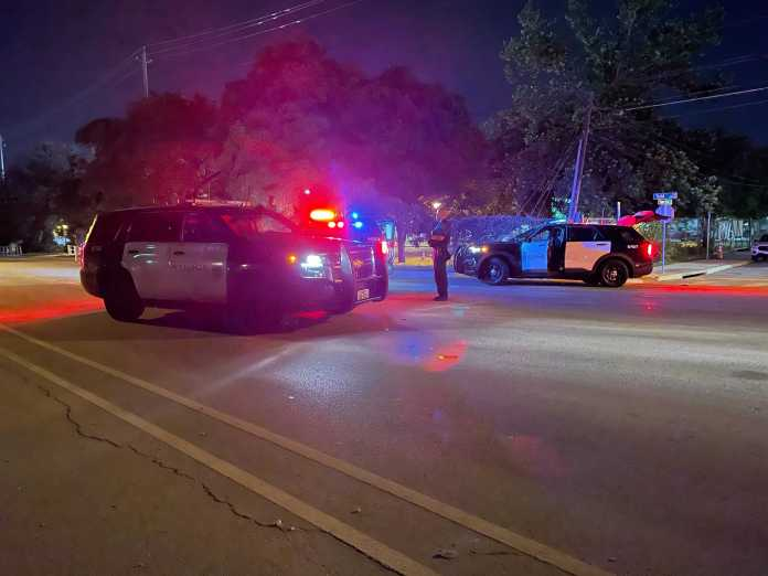 1 dead, 1 taken to the hospital after shooting in southeast Austin