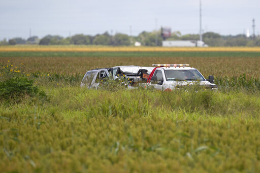 Police: 6 migrants killed in Texas SUV wreck – KX NEWS