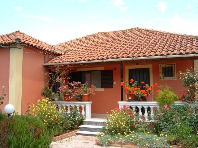 Nefeli House1