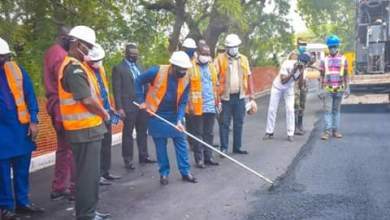 Photo of Bawumia cuts sod for Ghana Armed Forces inner road construction