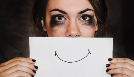 how to avoid emotionally unavailable man