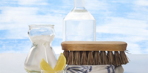 DIY All Natural All purpose cleaner recipe using essential oils