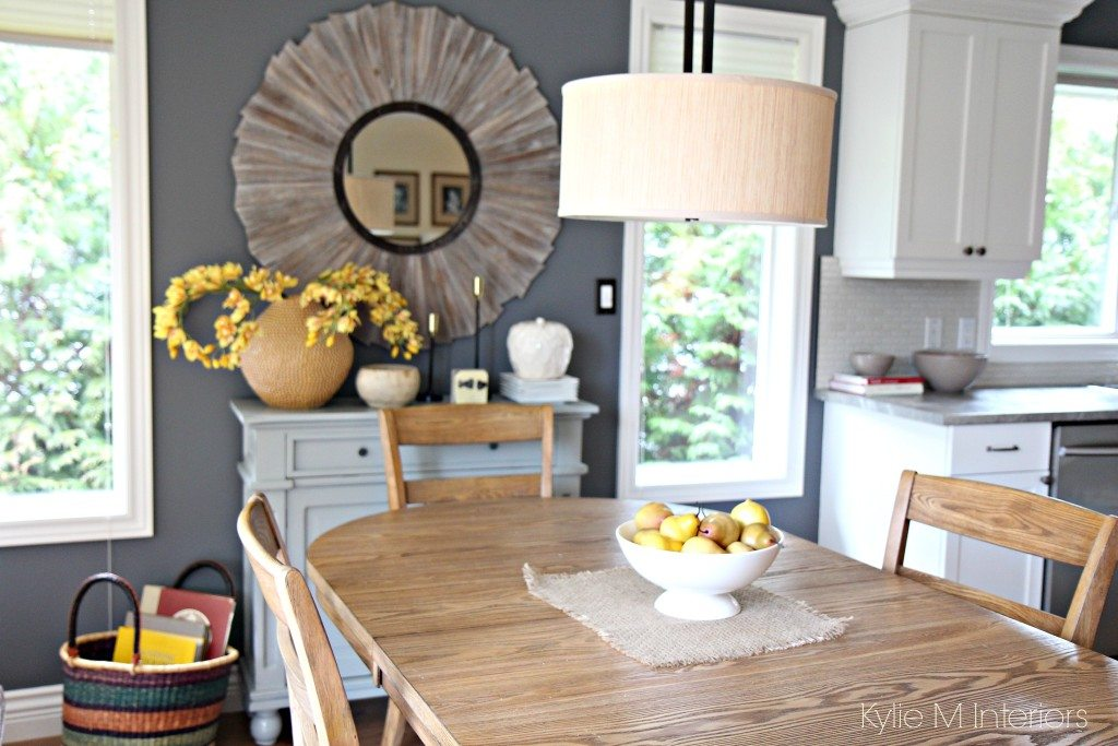 Modern Farmhouse Or Country Style Dining Room With Home Decor