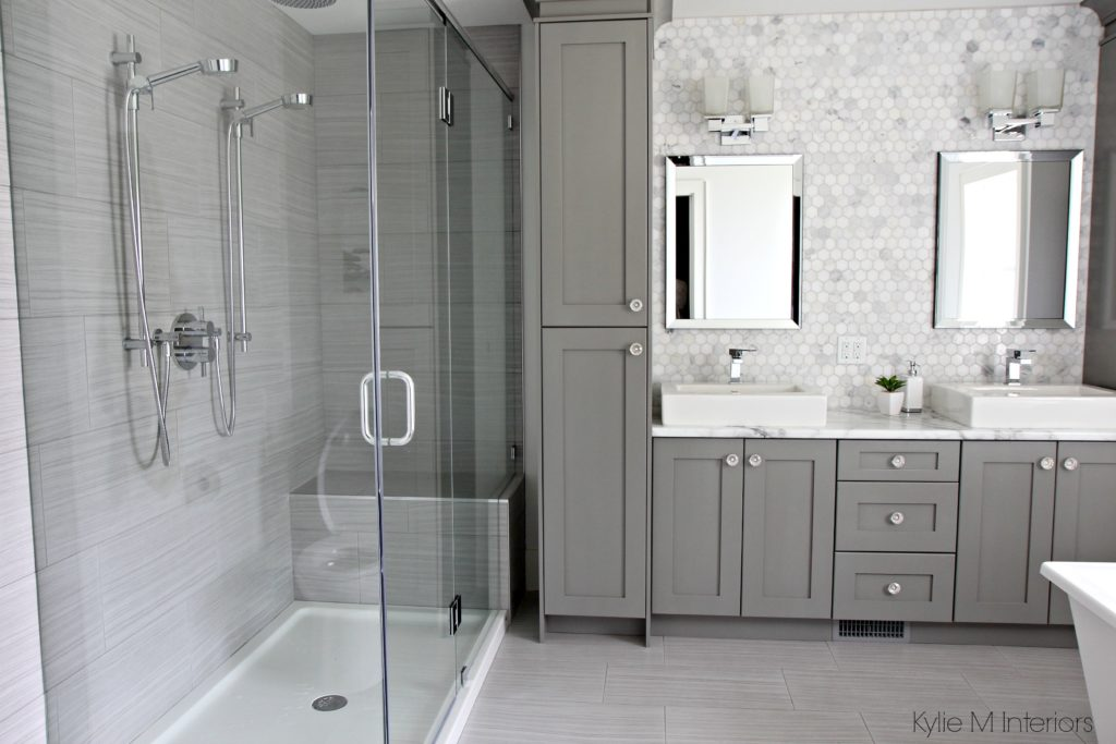 Double vanity bathroom with Calacatta marble Formica 180FX