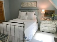 Benjamin Moore Woodlawn Blue, guest bedroom, country