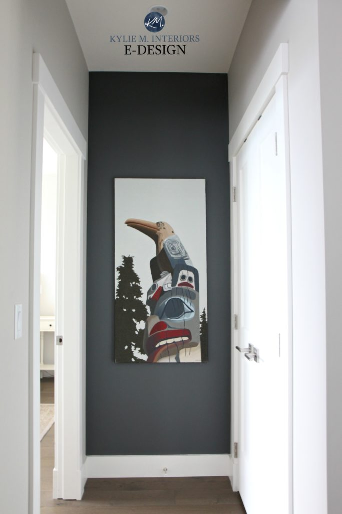 Benjamin Moore Kitty Gray Feature Art Wall With Collonade