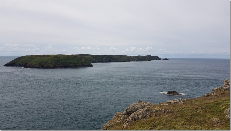 pembrokeshire coast toward skomer