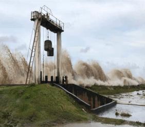 Guyana-tackles-flooding-after-dangerously-high-spring-tides.jpg