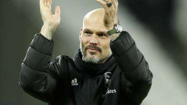 Cole-hopes-Arsenal-choose-Ljungberg-as-permanent-head-coach.jpg