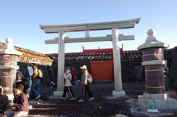 The_Wooden_Torii_Gate_Mount_Fuji_Japan